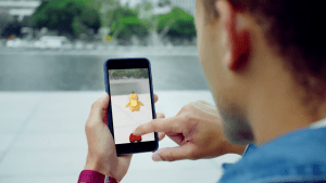 Play Pokemon Go,